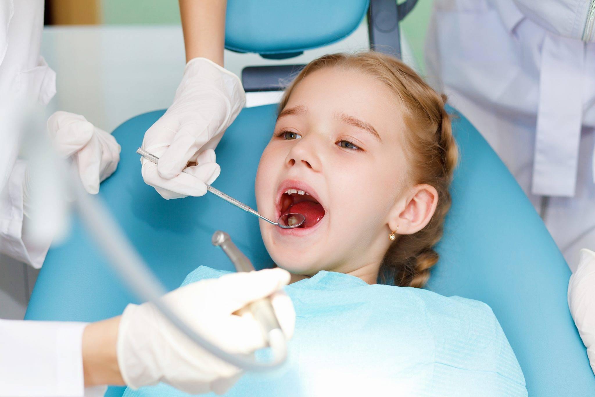 Как лечат пульпит молочных зубов у детей?