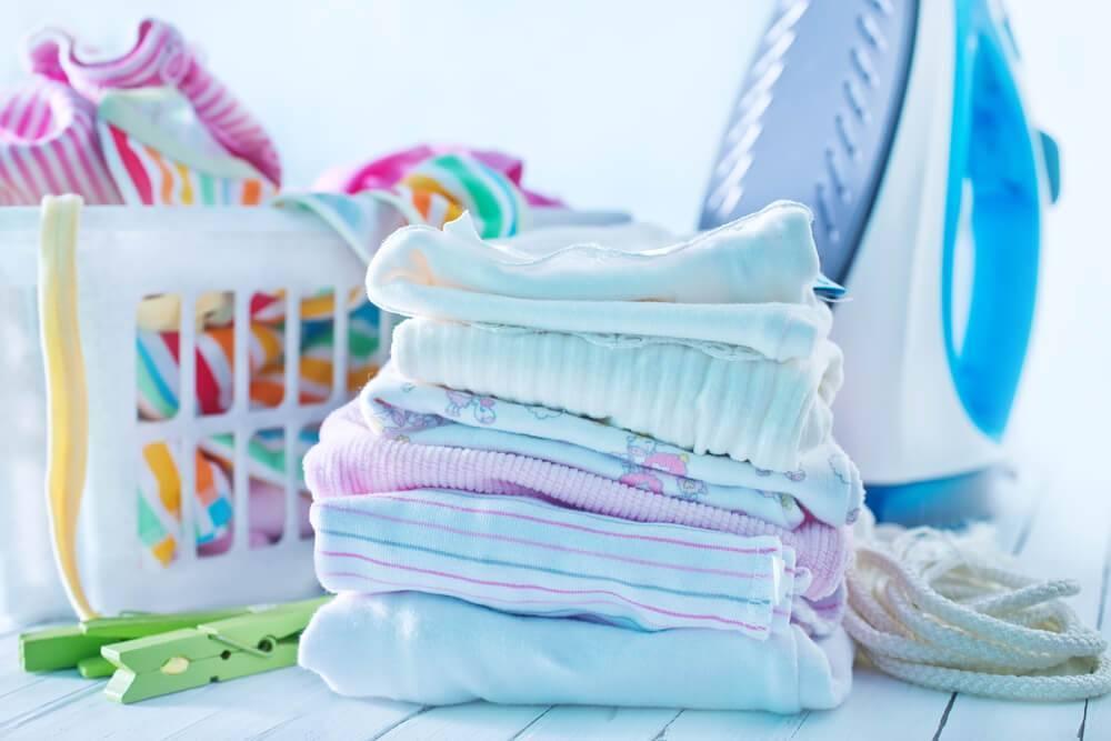 Как правильно стирать вещи грудных детей — выбираем средство для стирки. как и при какой температуре можно стирать детские вещи в стиральной машине: готовим пеленки новорожденному перед родами