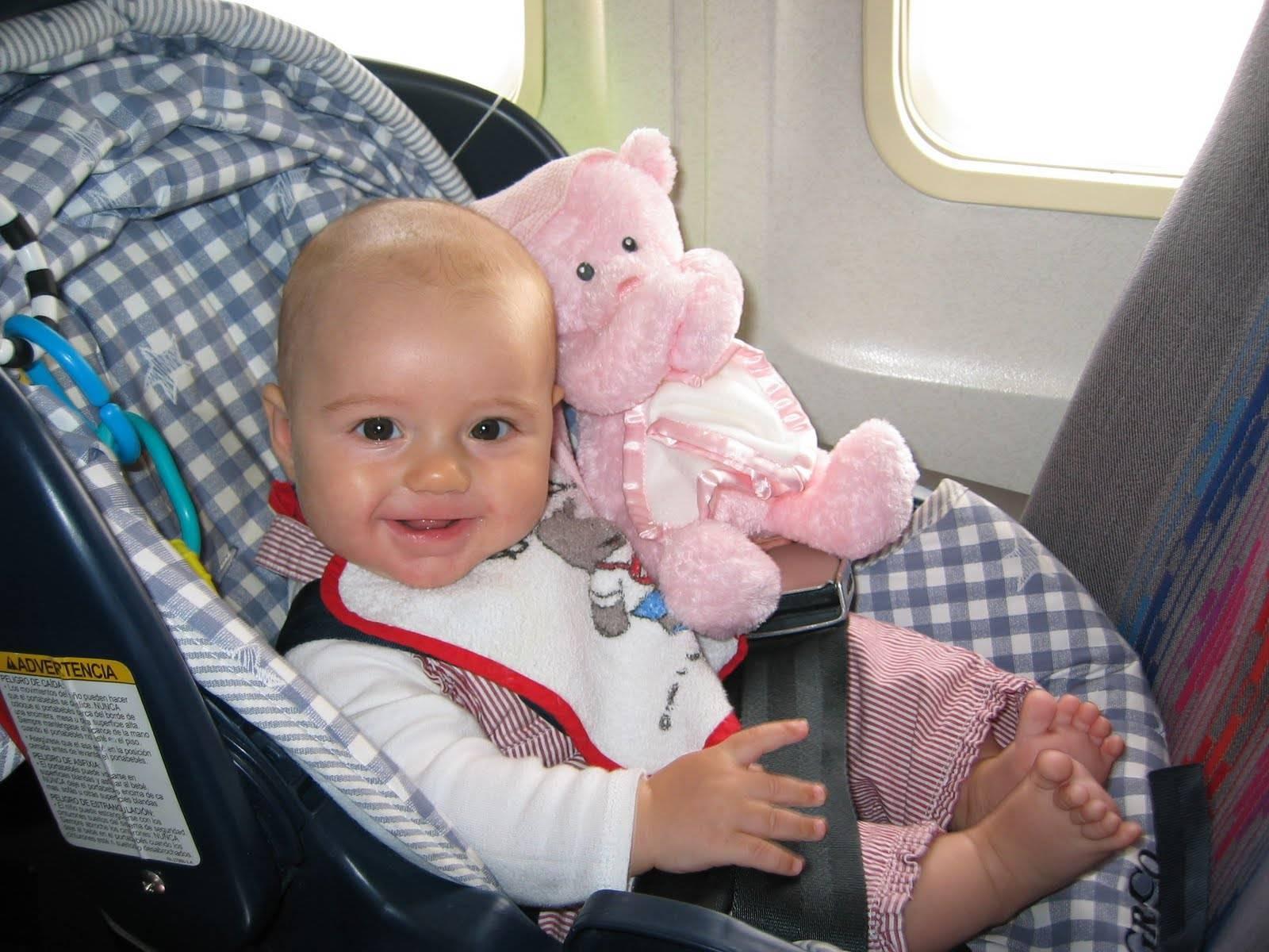 Перелет г грудным ребенком на самолете: правила и советы для родителей, можно ли летать с годовалым младенцем до 1 года