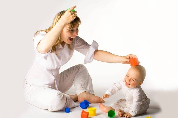 Как развивать ребенка в 2 месяца: занятия и игры с ребенком