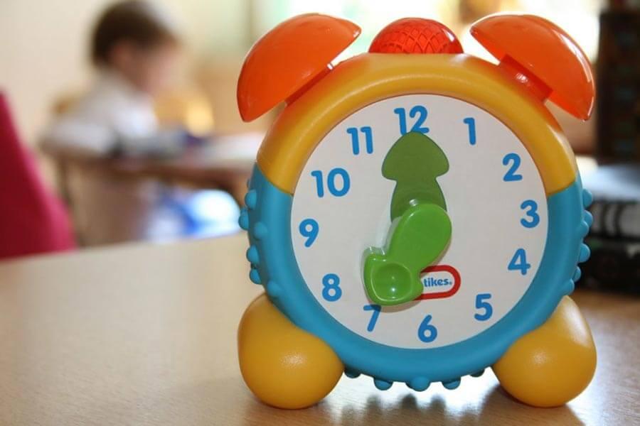 Как быстро научить ребенка понимать время по часам? советы, методики, упражнения