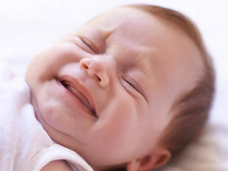 Новорожденный кряхтит после кормления