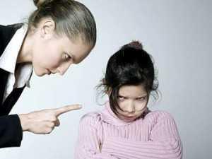 Почему ребенок годовалый бьет себя по голове