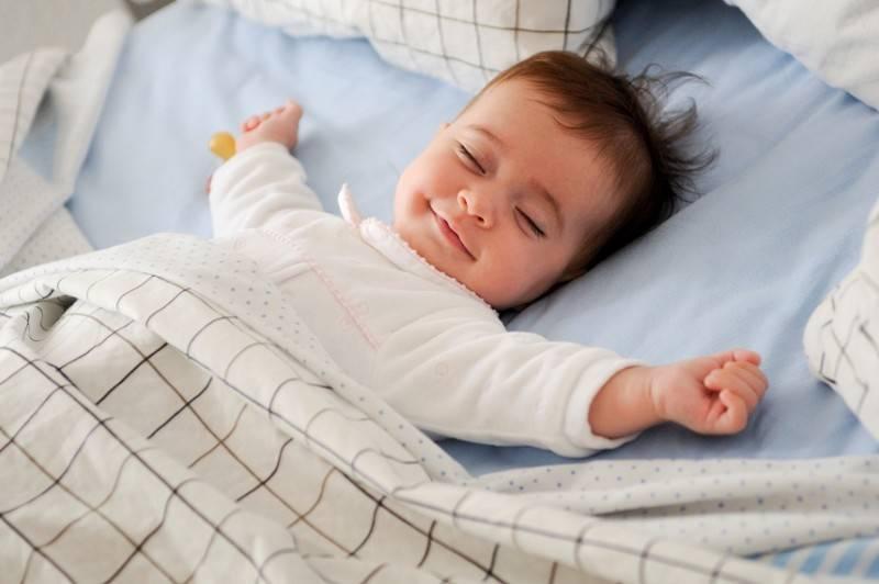 Почему новорожденный не спит ночью и днем, что рекомендует доктор комаровский