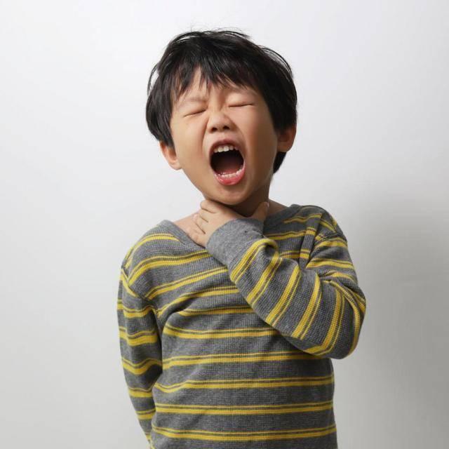 Почему у грудничка постоянно открыт рот. почему ребенок постоянно держит рот открытым: возможные причины. что делать родителям, если у малыша всегда открыт рот
