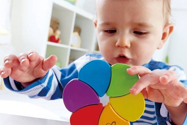 Как научить ребенка различать цвета? методики и полезные советы. как научить различать цвета детей: эффективные методы, интересные идеи и рекомендации когда начинать изучать цвета