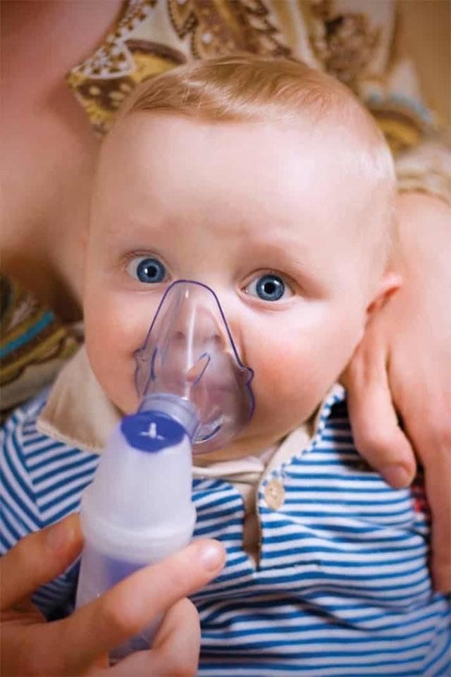 Когда грудничок начинает дышать через рот
