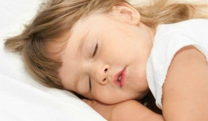 Ребенок скрипит зубами во сне – причины и лечение 2020