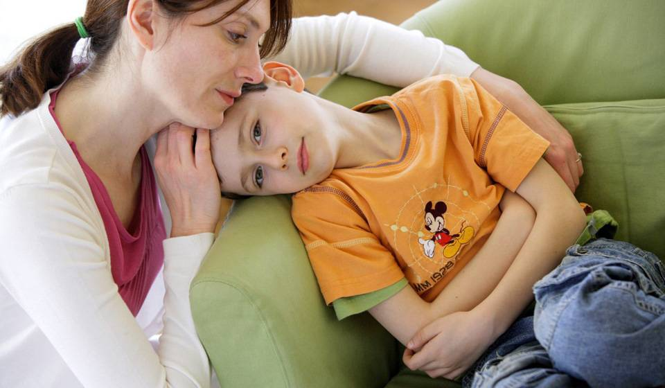 У ребенка жалобы на боли в животе и высокая температура
