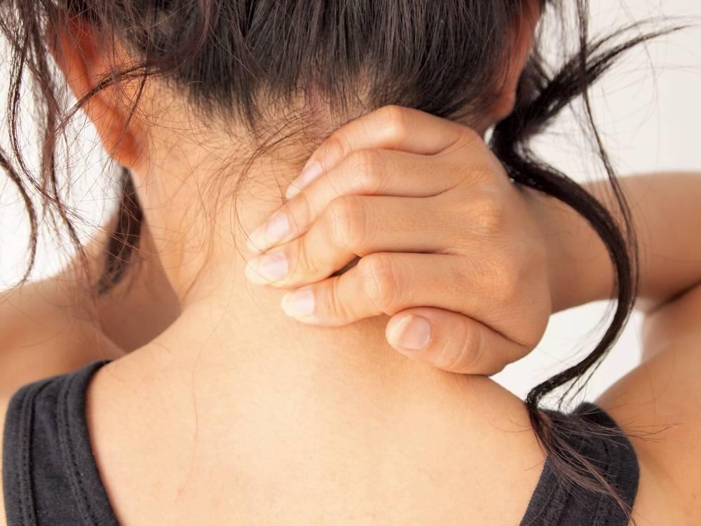 Боли в шее при повороте головы: что делать