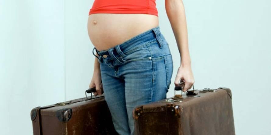 Подъем тяжестей при беременности: сколько, когда и как?