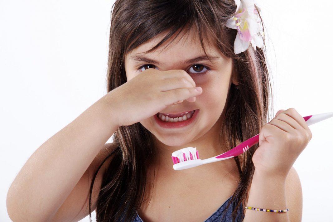 Запах ацетона изо рта у ребенка - причины его появления у грудничка и лечение