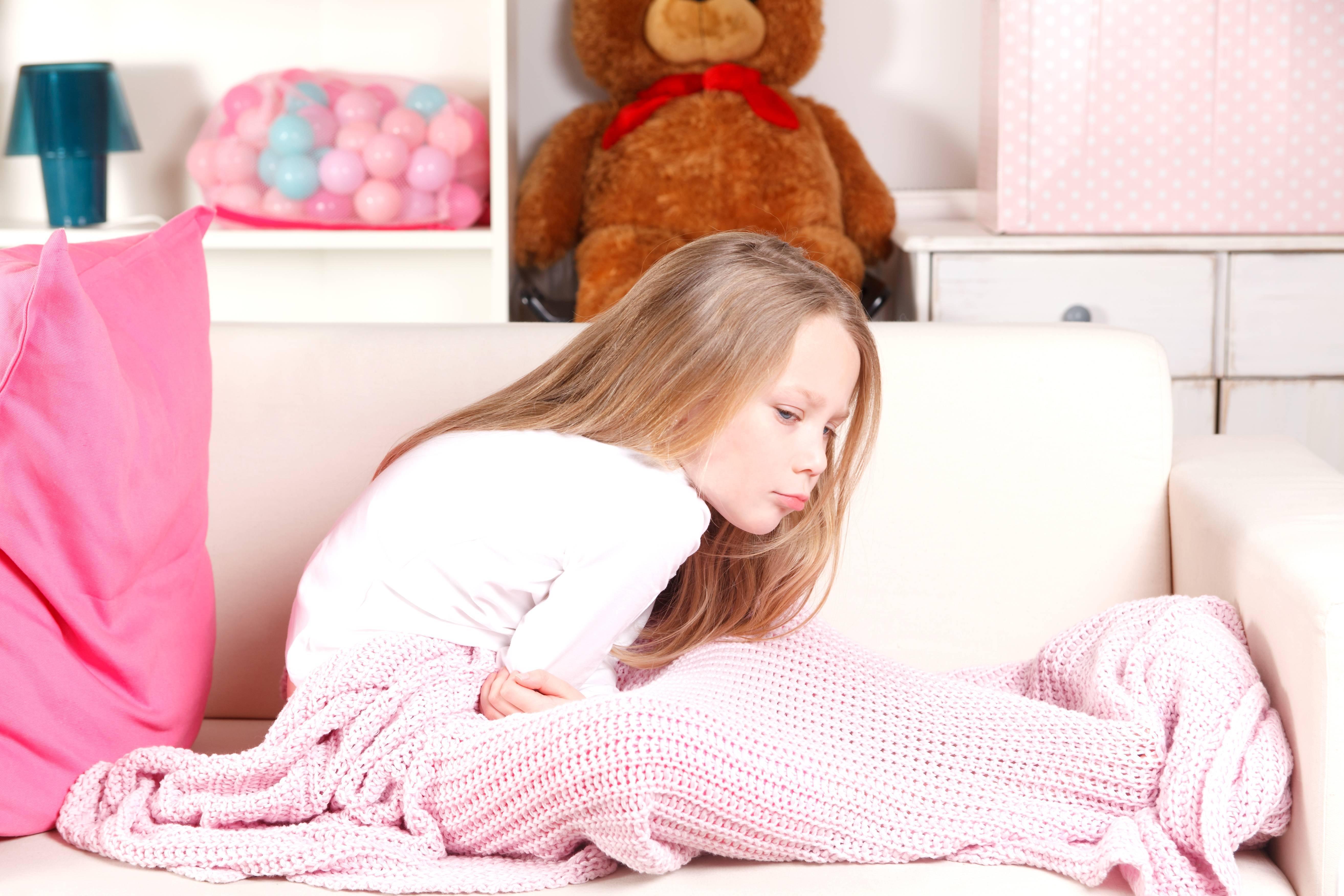 У ребенка 3 лет температура 39 и жалуется на боль в животе
