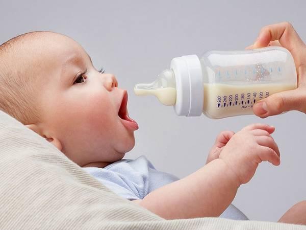 Коровье молоко для грудничка - с какого возраста лучше вводить в питание малыша   малыш здоров!
