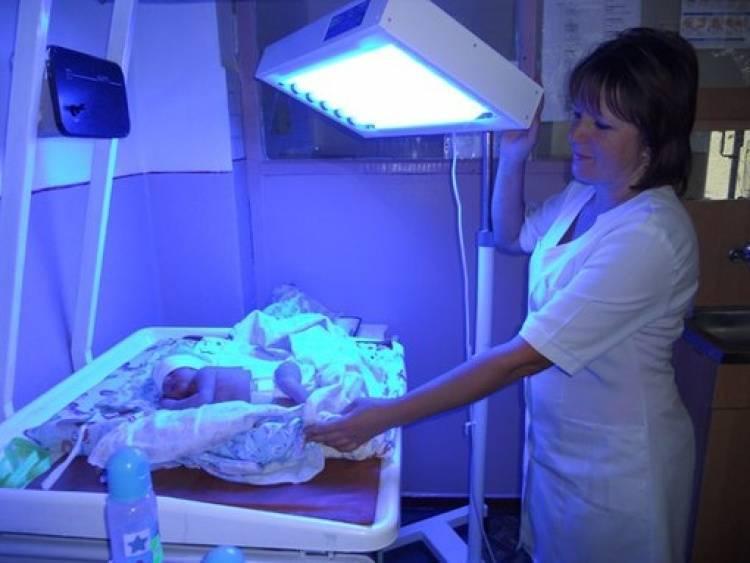 Лечение желтухи новорожденного в домашних условиях