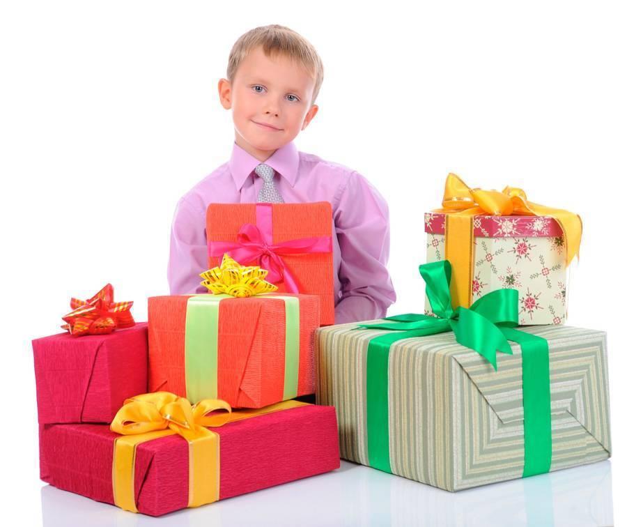 153 лучших подарка ребенку на 2 года (мальчику и девочке)