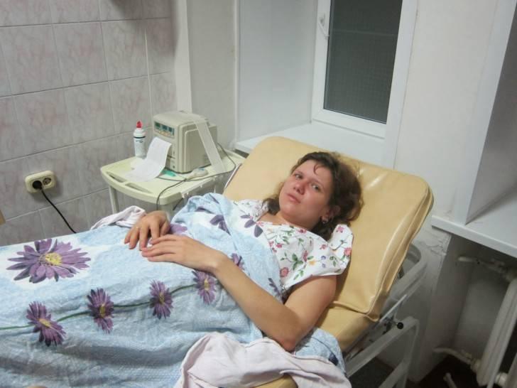 Выписка из роддома: на какой день? 10 причин задержки для мамы и новорожденного. когда выписывают из роддома после кесарева сечения и после обычных родов