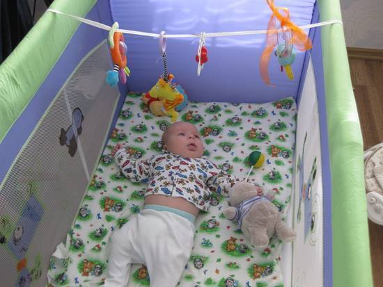 Как выбрать мобиль на кроватку для новорожденных