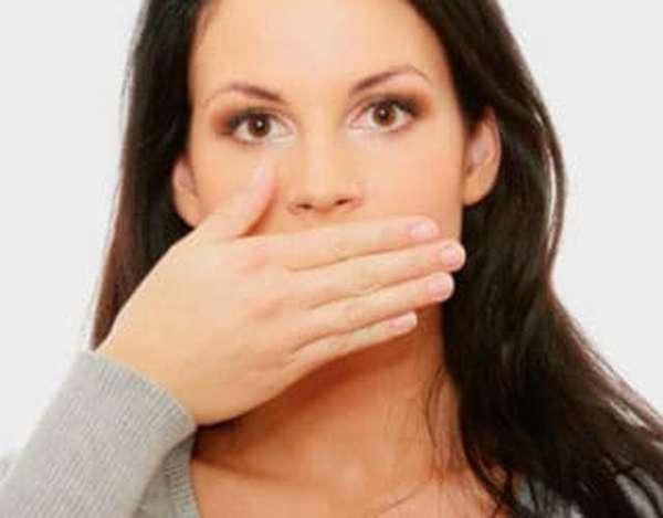 Возникновение отрыжки при беременности на ранних и поздних сроках