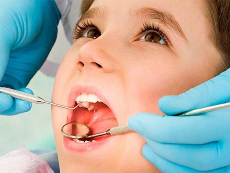 Кариес молочных и постоянных зубов у детей, в том числе раннего возраста: причины, стадии и симптомы, диагностика и лечение, профилактика и последствия + фото