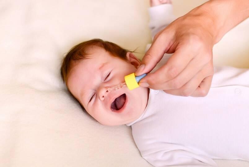 Заложен нос у грудничка: почему и что делать маме