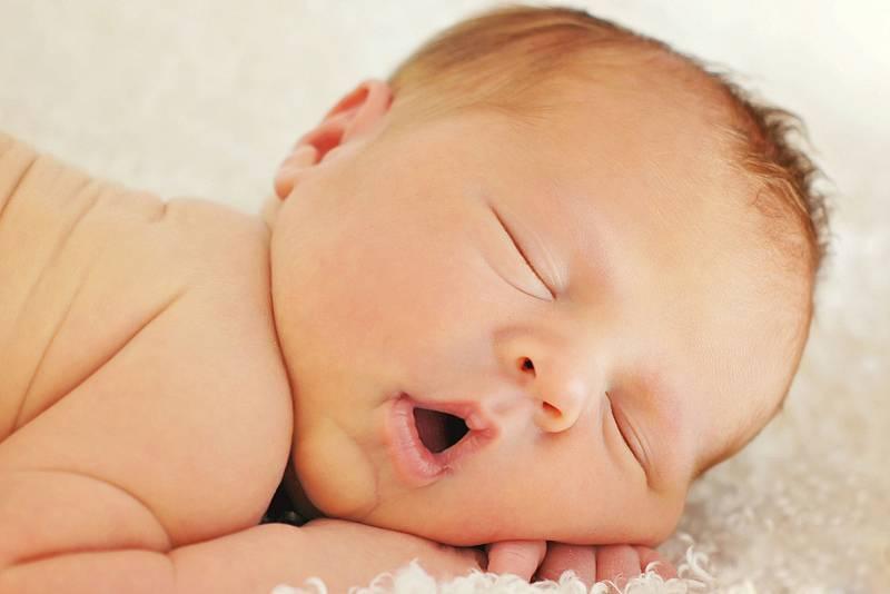 Частое дыхание у новорожденного во время сна: почему учащенное дыхание у ребенка