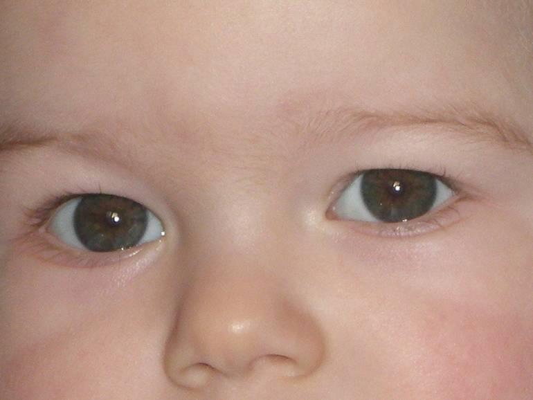 Цвет глаз у новорожденного: как его узнать и в каком возрасте?