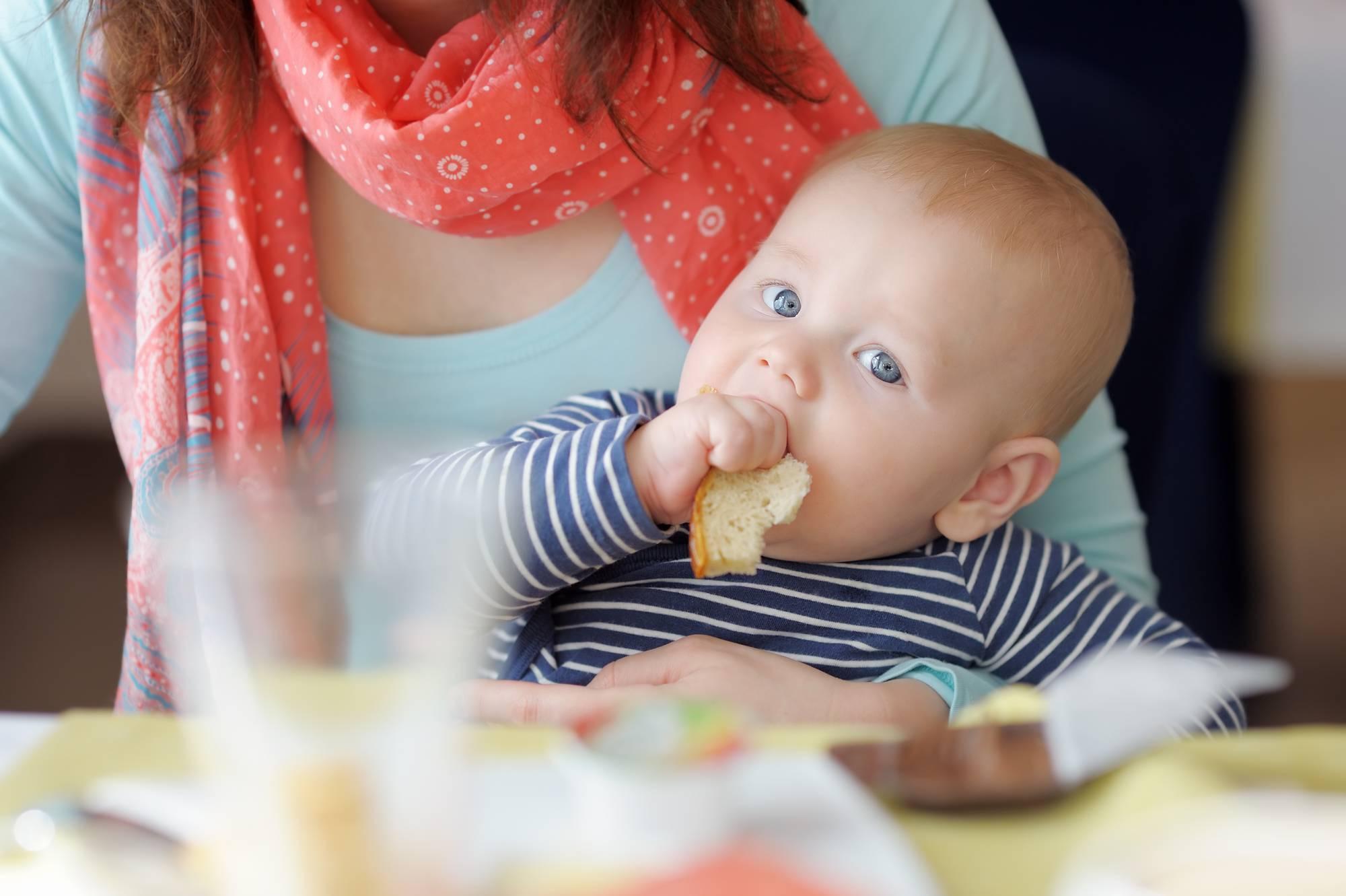 Ребенок не ест прикорм: что делать
