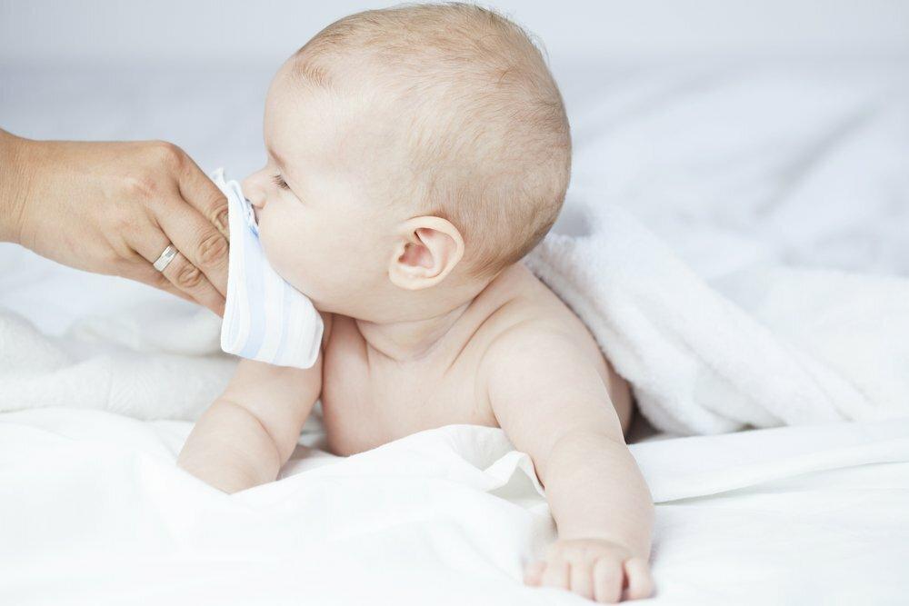 Заложенность носа у новорожденного — что делать, если забиты и плохо дышат носовые проходы?