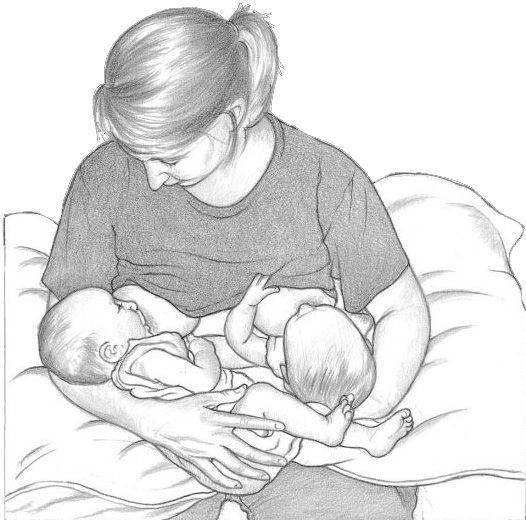 Особенности грудного вскармливания двойни: советы для мам