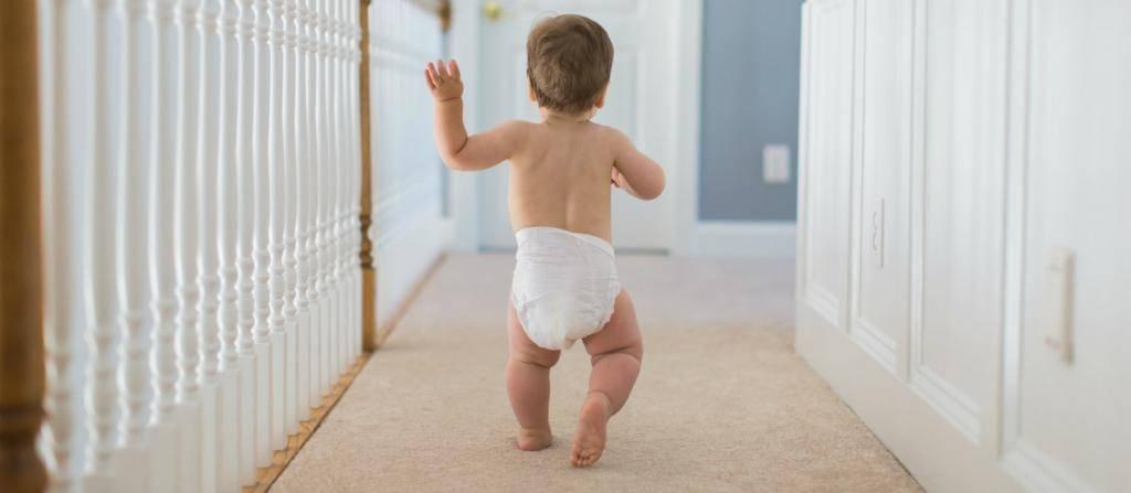 Как научить ребёнка ходить самостоятельно без поддержки