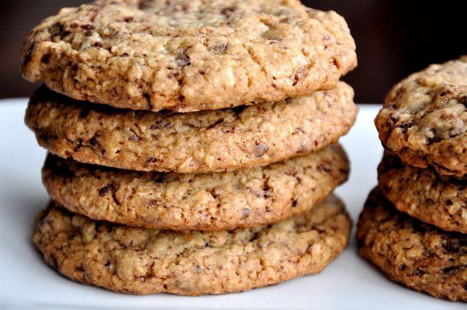 Овсяное печенье с творогом и смородиной – кулинарный рецепт