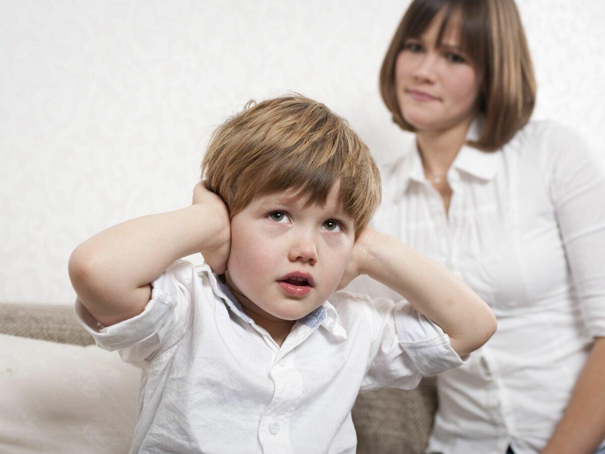 Ребенок не слушается родителей в 7 лет: причины, что делать?
