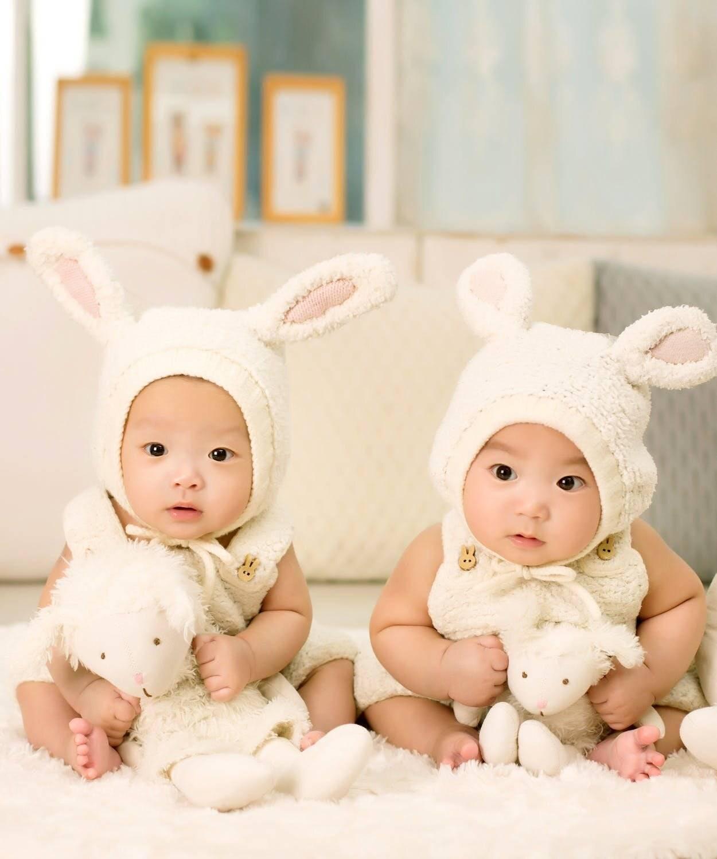 Воспитание близнецов и двойняшек: особенности мальчиков и девочек (психология) | семейные правила и ценности | vpolozhenii.com