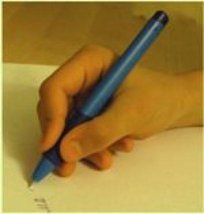 Как правильно держать ручку и карандаш при письме — простые способы научить ребенка