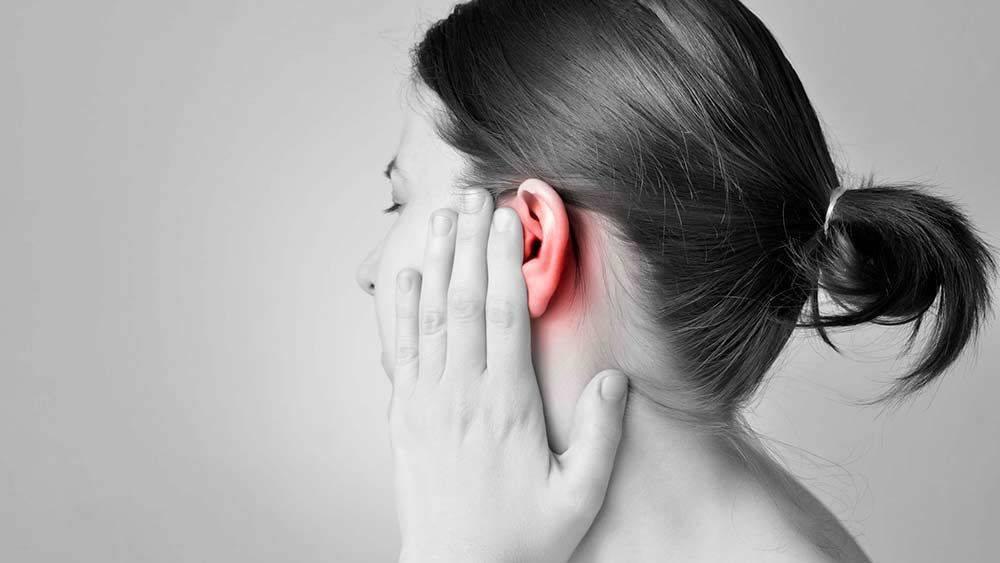 У ребёнка болит ухо что срочно можно сделать