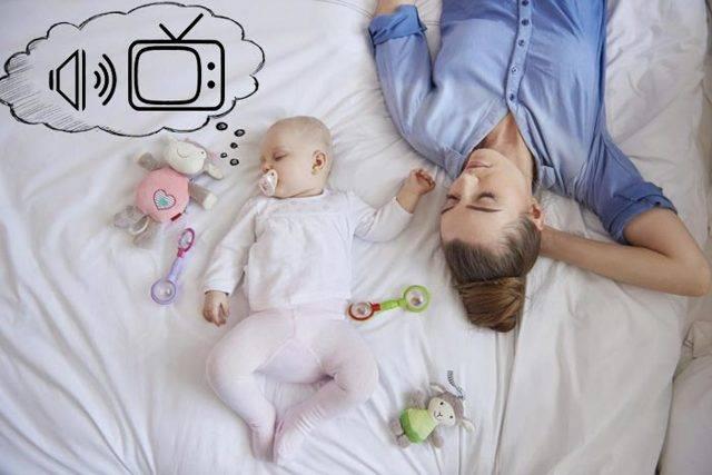 Новорожденный вздрагивает во сне, дергается и плачет: почему трясется ребенок?
