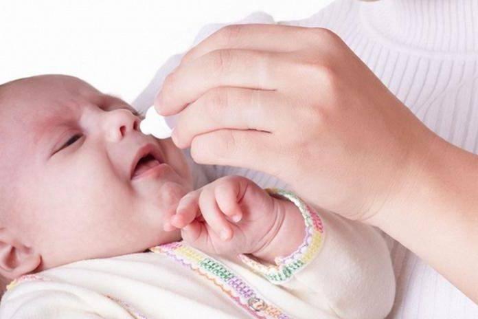 Грудничок хрюкает носом: что делать новорожденному при заложенности