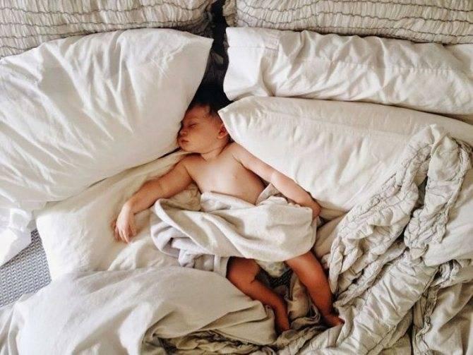 ᐉ грудничок упал с дивана что делать. ребенок упал с кровати или дивана вниз головой и ударился: что делать — мнение доктора комаровского ➡ klass511.ru