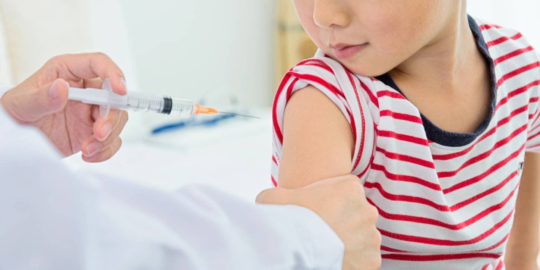 Чем опасна прививка от полиомиелита для ребенка