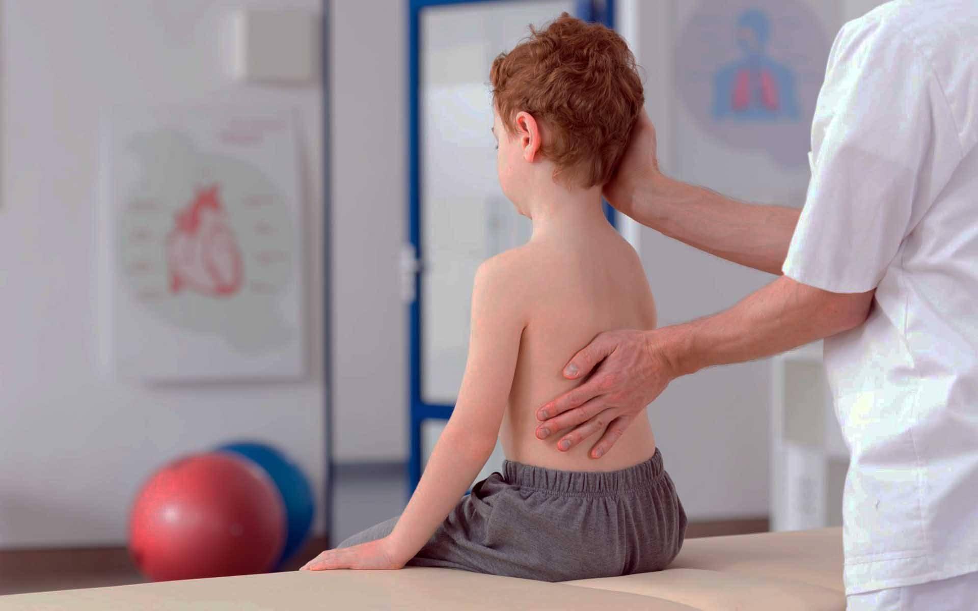 Профилактика нарушения осанки и искривления позвоночника у детей