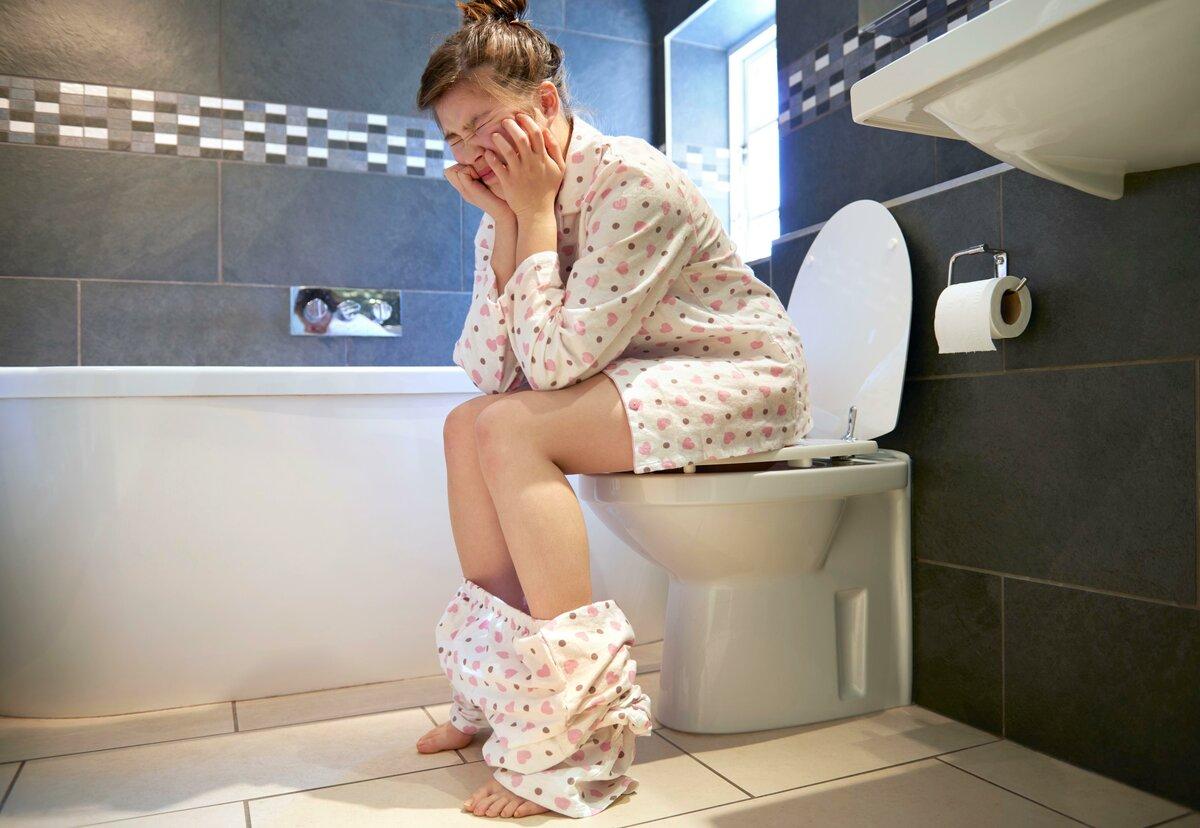 Не могу сходить в туалет после кесарева — когда можно какать после родов?