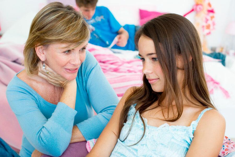 Как рассказать девочке про месячные: варианты беседы
