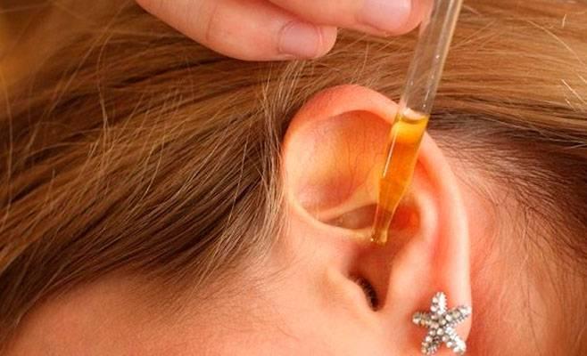 Применение камфорного масла при отите и болях в ухе