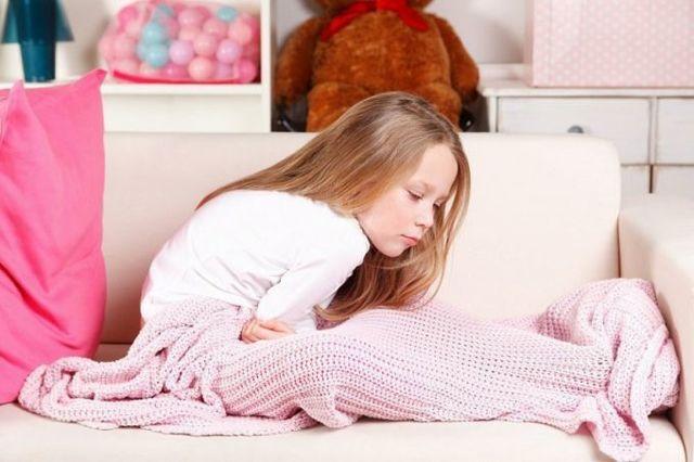 У ребенка болит желудок что делать в домашних условиях