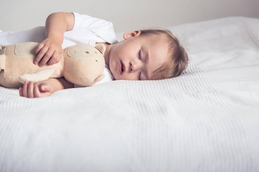 Что делать, если ребенок хочет спать, но никак не может уснуть